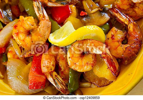 Comida de restaurante mexicano - csp12409859