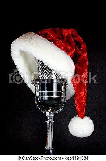 El sombrero de Santa en el micrófono - csp4191084