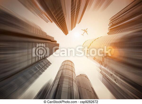 Mirando hacia arriba - csp9282672