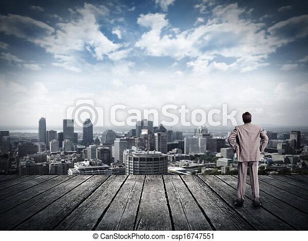Hombre de negocios con vista urbana. - csp16747551