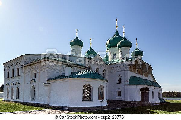 Iglesias de la transfiguración St. Alexander de Svir monasterio - csp21207761