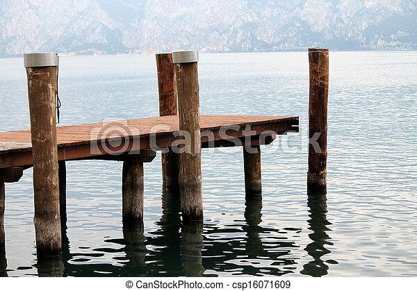 En el lago - csp16071609