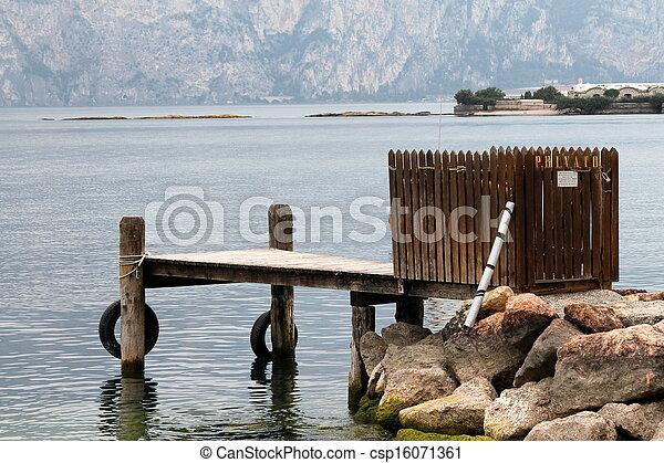 En el lago - csp16071361