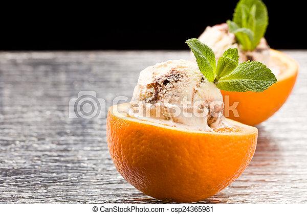 Naranja y helado - postre - csp24365981