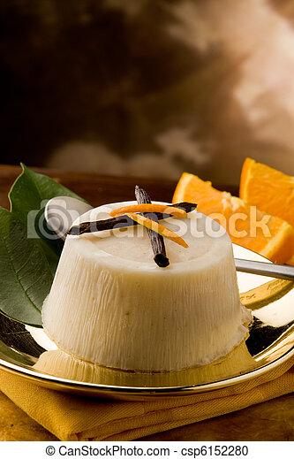 pudding de naranja de vainilla - csp6152280