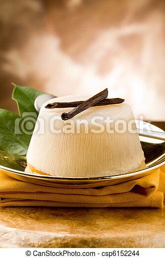 pudding de naranja de vainilla - csp6152244