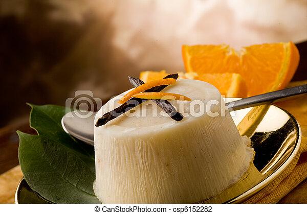 pudding de naranja de vainilla - csp6152282