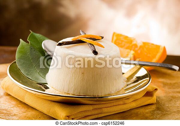 pudding de naranja de vainilla - csp6152246