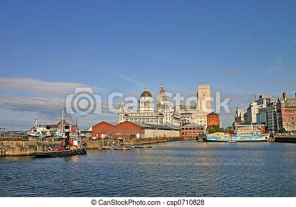 Naves de Liverpool en el muelle - csp0710828