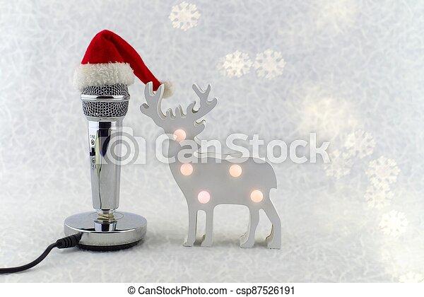 navidad, micrófono, decoración, santa sombrero - csp87526191