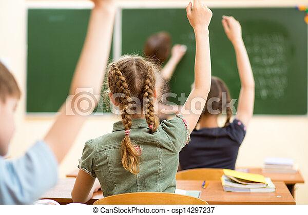 Niños en clase en clase - csp14297237