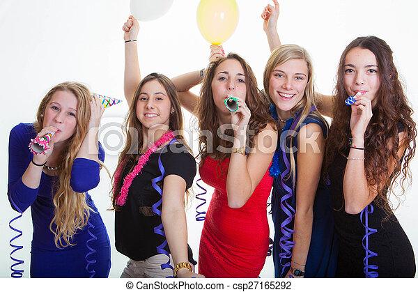 Noche de chicas de fiesta - csp27165292