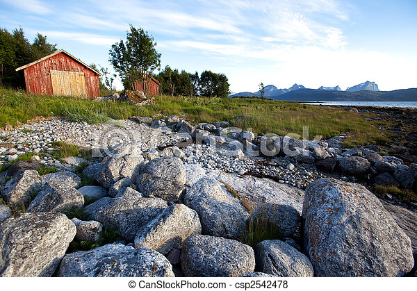 Un paisaje rural noruego - csp2542478