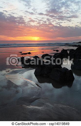 Sunset Woolacombe al norte devon Coast - csp14019849