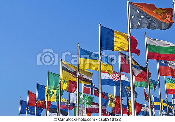 Banderas nacionales de diferentes países - csp8918122