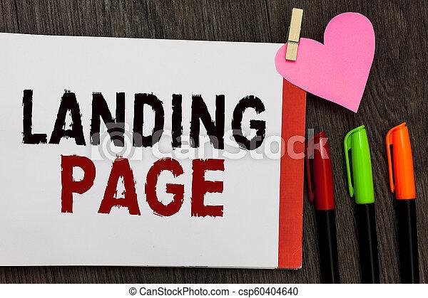 La página de texto escrito. El concepto de negocios para Website accesado por conectar un enlace en otra página de libretas abre marcadores de papel sosteniendo un fondo de madera. - csp60404640