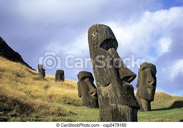 Moai-Este de la isla, chile - csp2479160