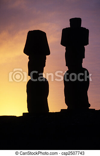 Moai-Este de la isla, chile - csp2507743