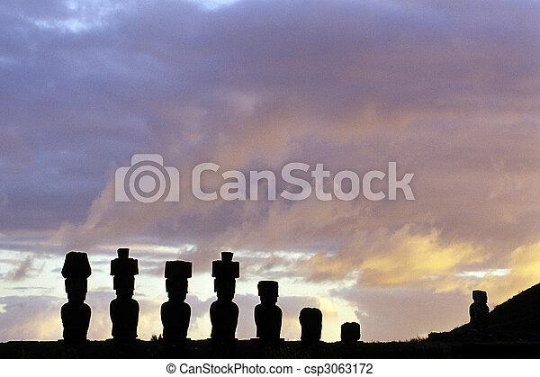 Isla Moai-Ester, Chile - csp3063172