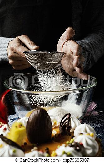 pascua, español, de, preparando, mona, pascua, pastel - csp79635337