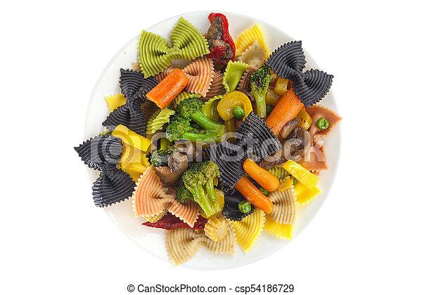 Apetizando pasta de farfalle de colores con verduras - csp54186729