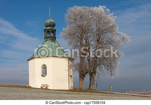 Una iglesia pequeña - csp17558104