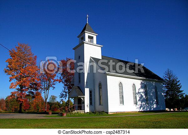 Pequeña iglesia - csp2487314