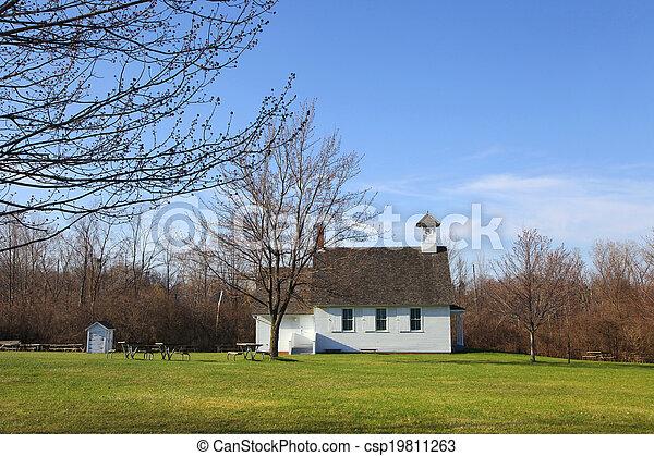 Una iglesia pequeña - csp19811263
