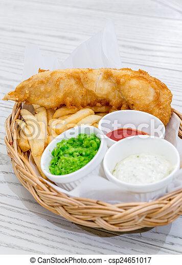 Pescado con patatas - csp24651017