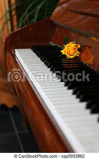 Un piano clásico - csp0933862
