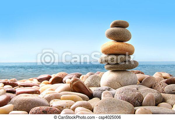 Piedras de piedra en blanco - csp4025006