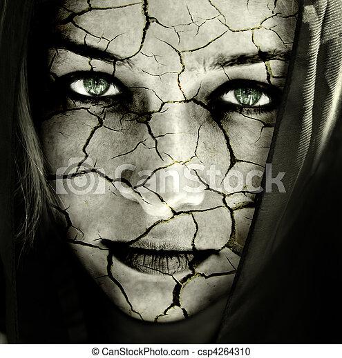 Cara de mujer con la piel rota - csp4264310