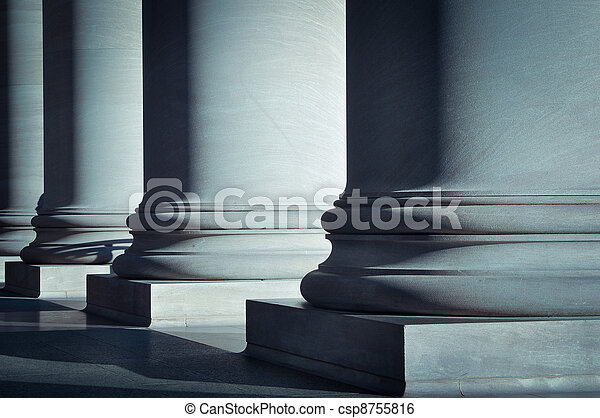 Pilares de la ley y la educación - csp8755816