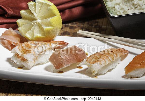 Plata de sushi variado - csp12242443