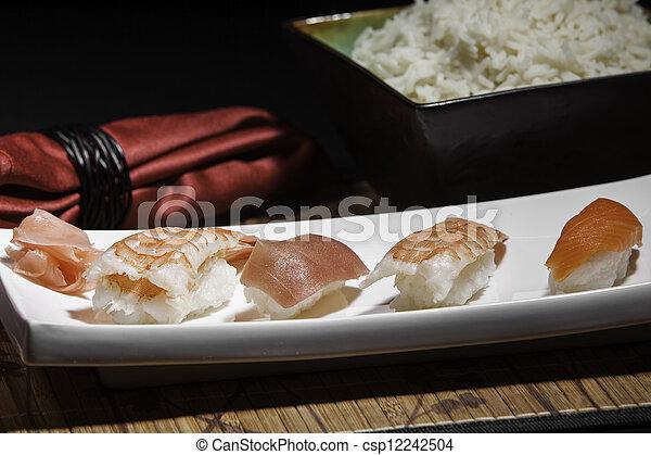 Plata de sushi variado - csp12242504