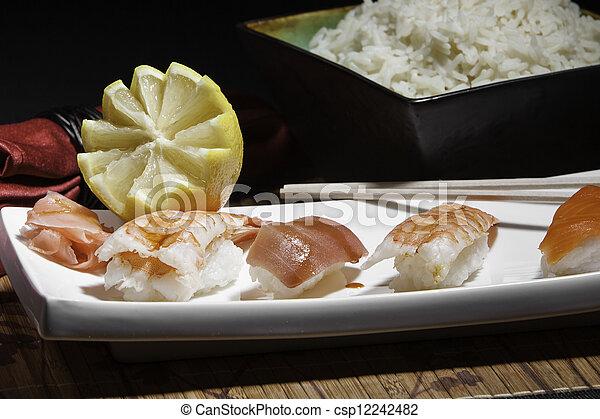Plata de sushi variado - csp12242482