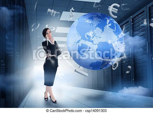 Mujer de negocios en el centro de datos con gráficos de la tierra y de la moneda - csp14091303