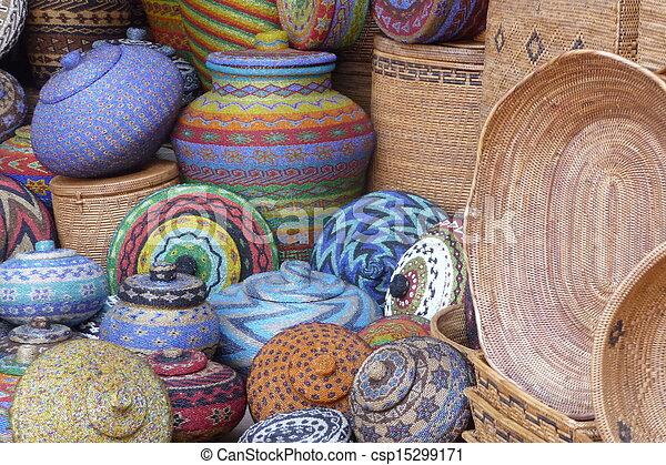 Potes y canastas de artesanía en Bali - csp15299171