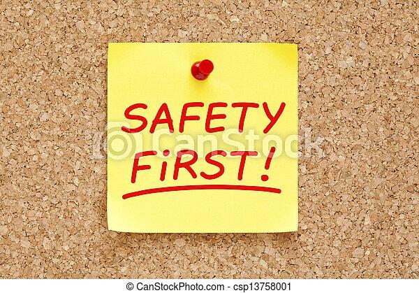 La seguridad es la primera nota pegajosa - csp13758001