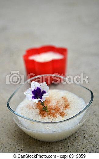 pudding de arroz - csp16313859