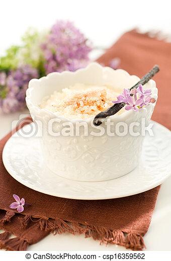 Budín de arroz - csp16359562