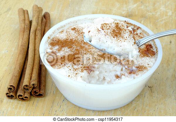 pudding de arroz - csp11954317