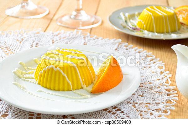 Pudín de natillas con salsa de vainilla y naranja - csp30509400