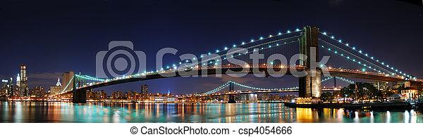 El panorama del puente de Brooklyn en Nueva York - csp4054666
