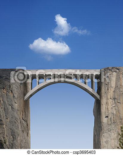 Puente y cielo - csp3695403