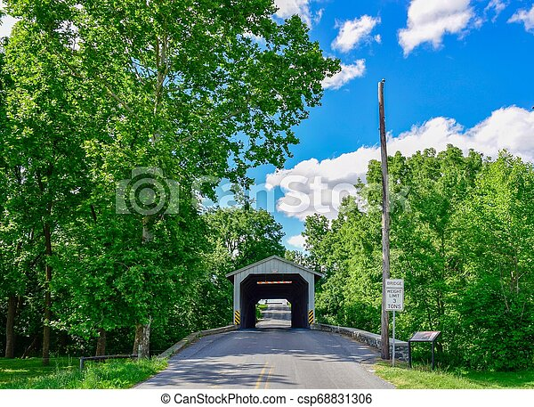 Puente cubierto - csp68831306