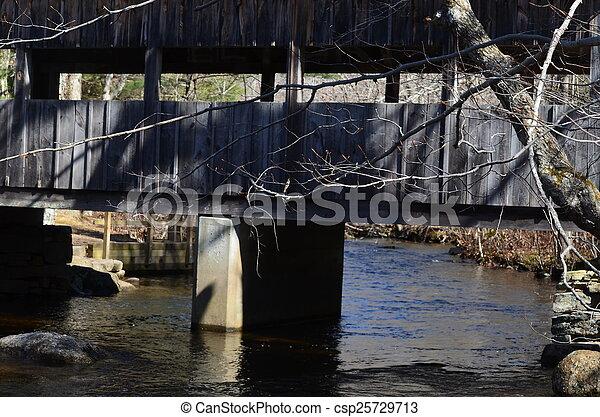 Puente cubierto - csp25729713