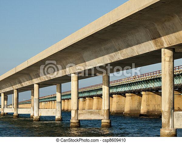 Puente de 7 millas - csp8609410