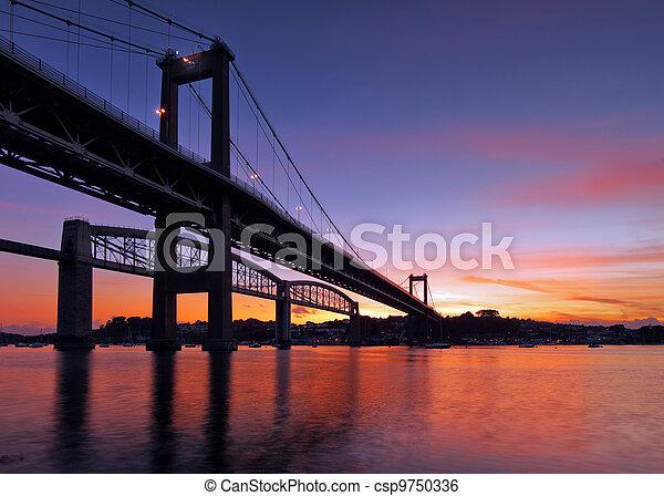 Puente Tamar silueta - csp9750336