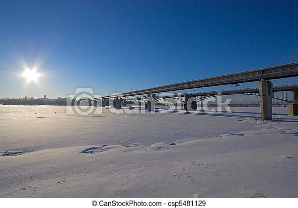 Dos puentes - csp5481129